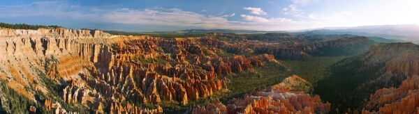 Bryce Canyon National Park, Utah, USA Panorama of the anphiteater and the splendid limestone pinnacles of the Bryce Canyon National Park at sunrise - Utah - USA