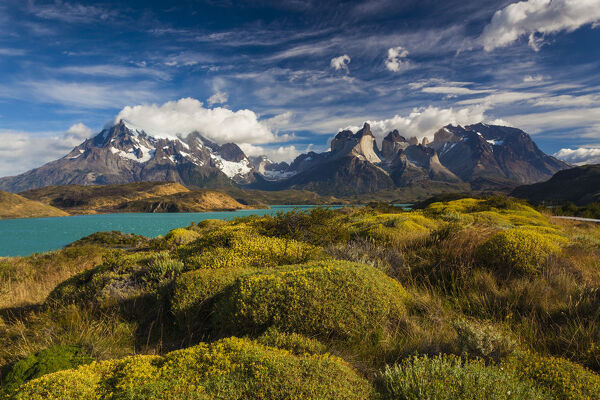 Chile, Magallanes Region, Torres del Paine National Park, Lago Pehoe, morning landscape