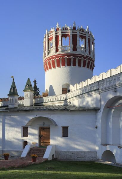 Tower (17 century), Novodevichy Convent, UNESCO World Heritage Site, Moscow, Russia