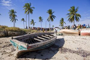 A fishing boat on the beach at Ilha do Mozambique