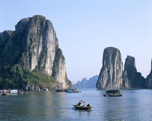 Halong Bay / Karst Limestone Rocks / House Boats