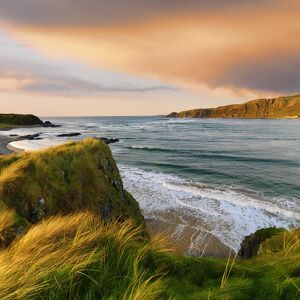 Ireland, Co.Donegal, Inishowen, Doagh beach at dusk