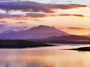 Ireland, Co.Donegal, Mount Errigal and Mulroy bay at sunset