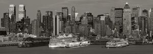 USA, New York City, Manhattan, Midtown across Hudson River