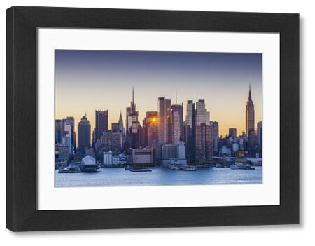 USA, New York, New York City, Manhattan Skyline from Weehawken New Jersey, dawn