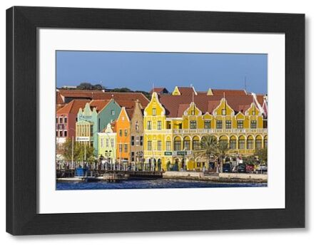 Curacao, Willemstad, Queen Emma pontoon bridge and colonial merchant houses lining Handelskade along Punda's waterfront