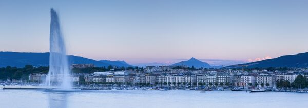 Jet d'eau on Lake Geneva, Mont Blanc in the distance, Geneva, Switzerland