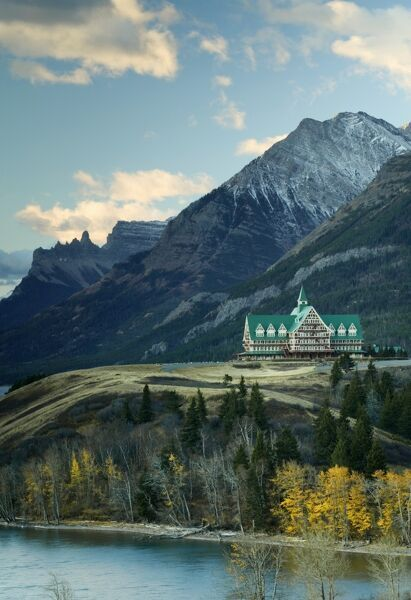 Prince of Wales Hotel, Waterton Lakes National Park, Alberta, Canada CANADA-Alberta: Waterton Lakes National Park: Prince of Wales Hotel / Dawn / Autumn (c) Walter Bibikow 2003