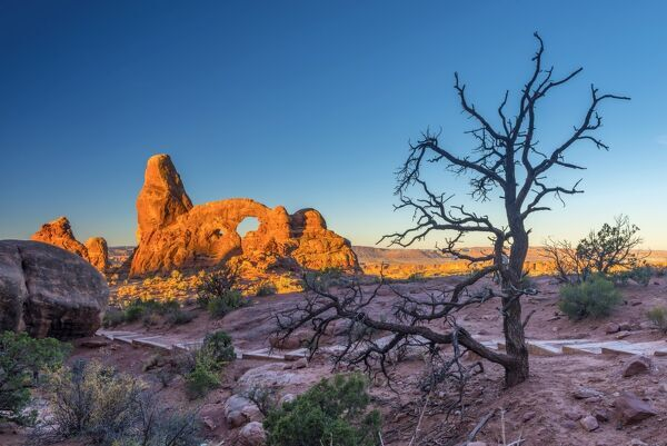 USA, Utah, Arches National Park, The Windows, Turret Arch