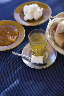 Moroccan Breakfast : Mint tea