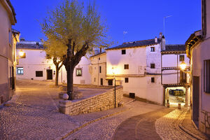 new july 2019/old houses dating 15 th century plaza mayor chinchon