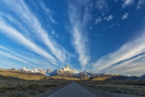South America, Argentina, Patagonia, Los Glaciares National Park and Mount Fitz Roy