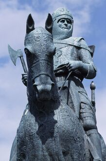 The statue of Robert the Bruce, at the Bruce Monument at Bannockburn