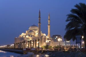 United Arab Emirates, Sharjah, Sharjah Mosque by the Corniche, dusk
