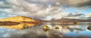 serene landscapes/united kingdom uk scotland highlands lochin