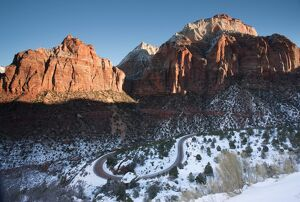 USA, Utah, Zion National Park, Zion-Mt. Carmel Highway, winter, morning